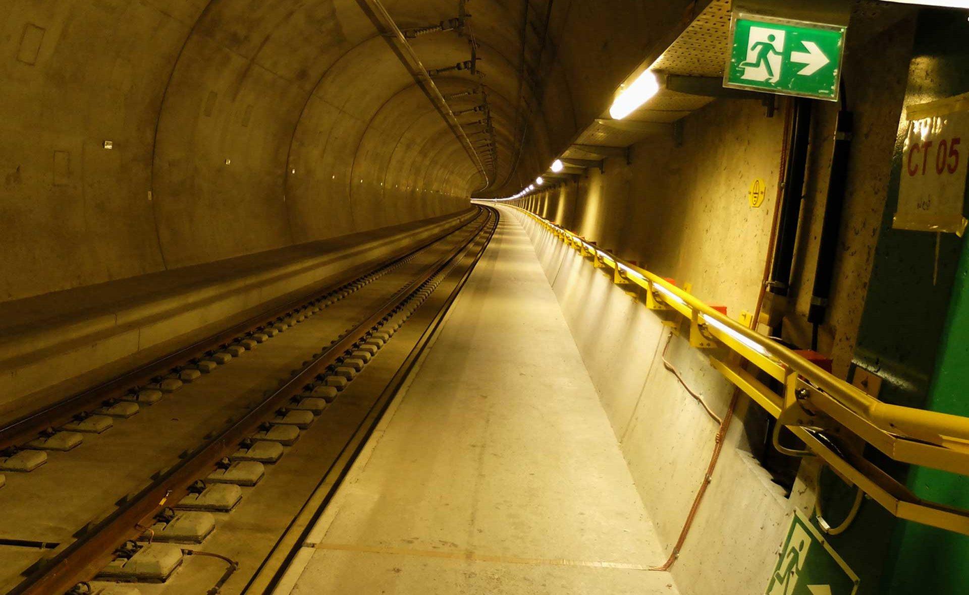 Ceneri-Basistunnel RAMS FMECA 50126 Validierung Tunnelröhre Bahntechnik Stromversorgung 50 Hz 16.7Hz Fahrbahn Oberleitung NEAT Projekt ARGE CPC IZP Dresden mbH Referenz